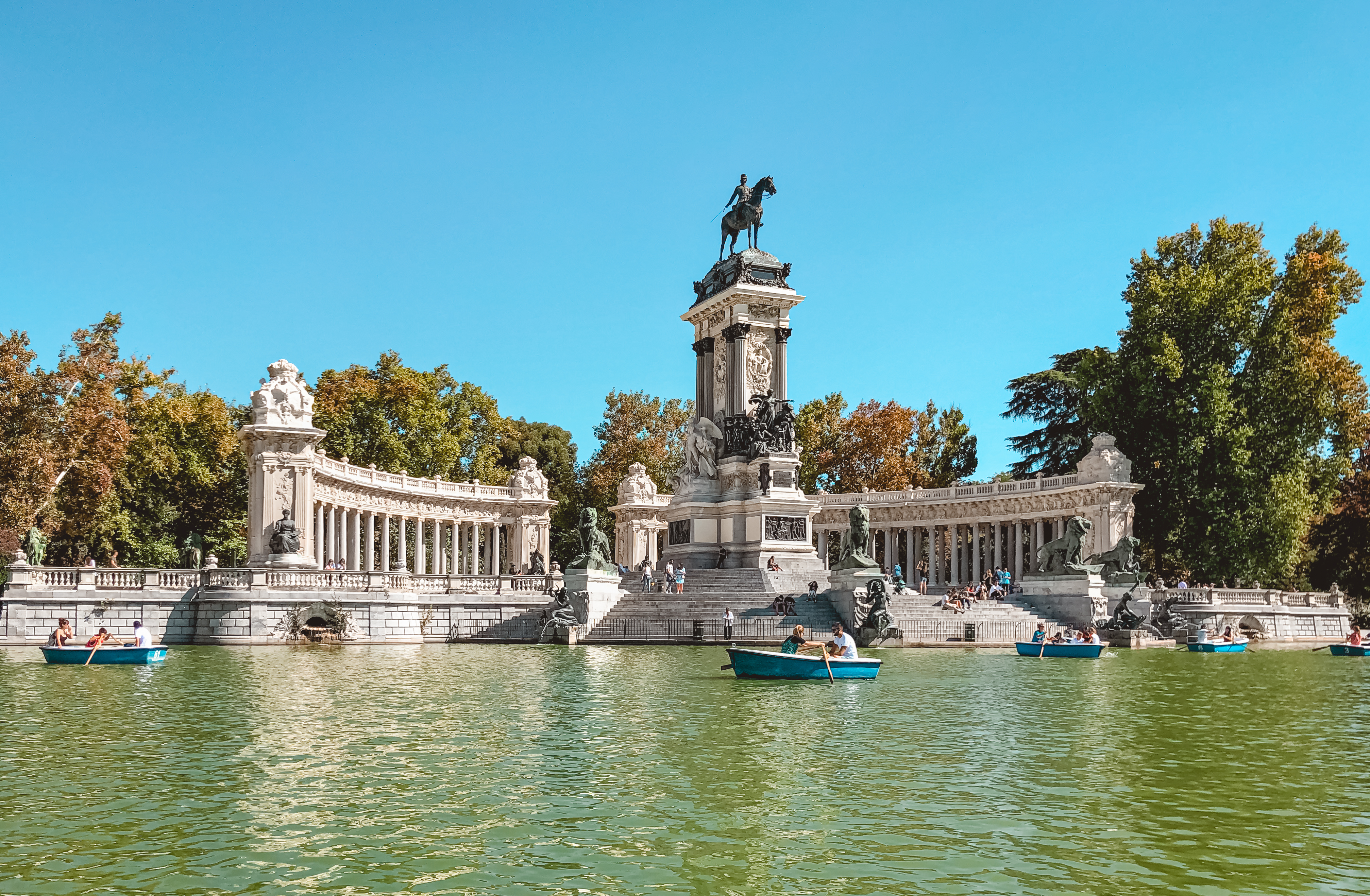 muslim-travel-guide-Madrid-Spain-what-to-do-El-Retiro-Park